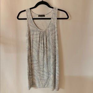 Hourglass lilly grey white palm leaves tunic xs/s